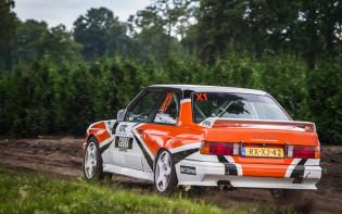 Mike Veldhuisen bestuurt BMW E30 M3 in GTC Rally